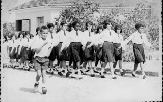 'Desfile cívico, vendo-se Tiãozindo do Dé, Elenir (Josué) 1950-1959