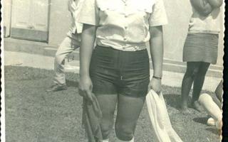 'Maria em uniforme durante dia de desfile cívico.1960' a 1979